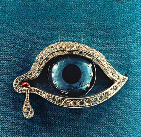 Salvador Dali's beautiful Eye Of Time brooch.png