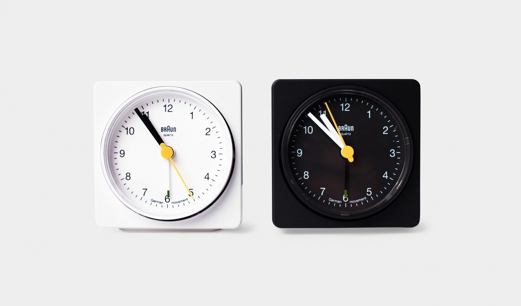yes_031_analog_alarm_clock_3-1800x1056.jpg