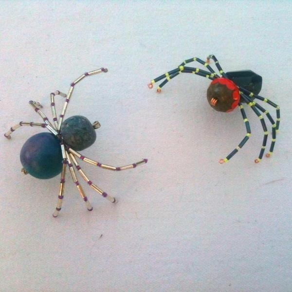 "Arachnid standoff from <a href=""/lushbeads"" class=""user-mention"">@lushbeads</a> for Halloween!"