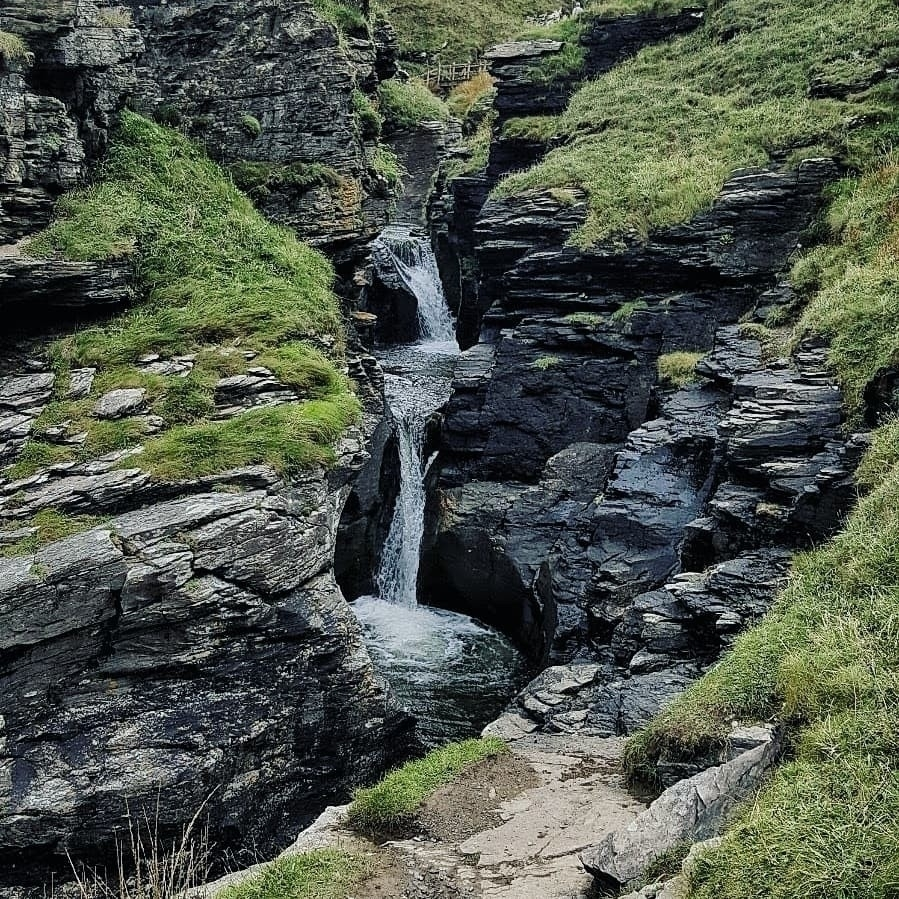 Rocky Valley, Tintagel, Cornwal - lowenhazel | ello